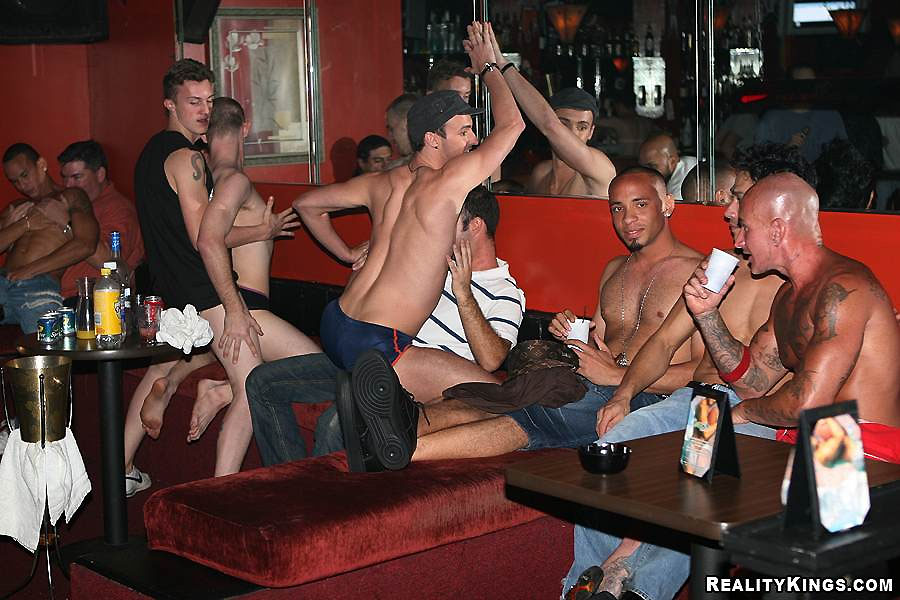 gay gang bang sauna club berlin
